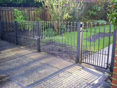 Ref: GT037  Wrought Iron Metal Gates and Railings in Castleton