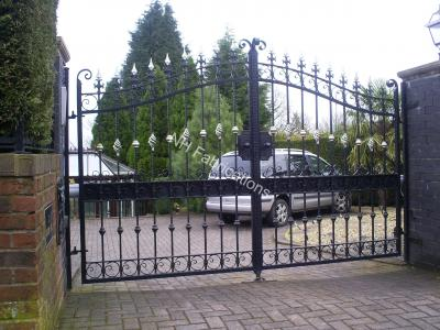 Ref: GT021 Automatic Estate Gates Rochdale, Greater Manchester