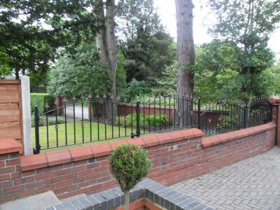 Ref:RA028 Garden Wall Top Railings in Rochdale