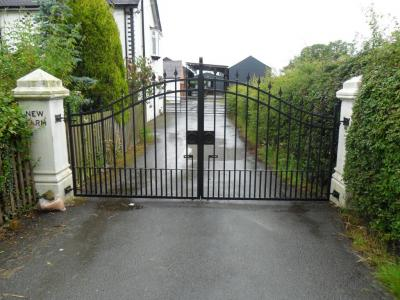 Ref:GTO45 Wrought Iron Estate Gates in Cheshire